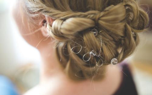 peinados con trenzas tendencias bodas 2019